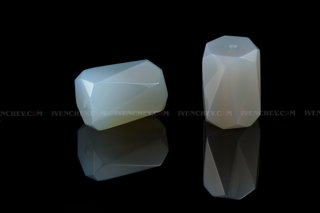 320_03_6385_faceted_chalcedony