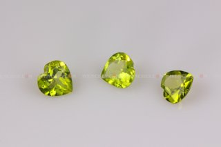 320_03_7690_faceted_olivine_hearts